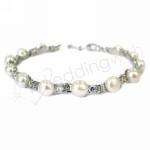 Elegant Fresh Water Pearl and Diamante Bracelet image