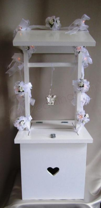 Wedding Country Roses Wedding Wishing Well with Light Up Garland Image 1