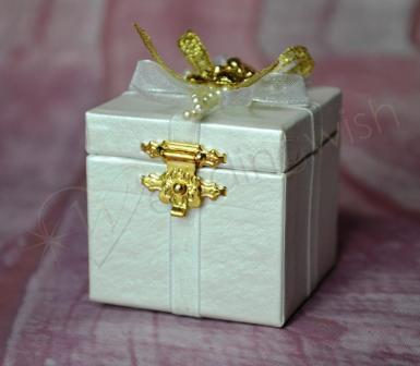 Wedding Gift box - gold bear - Wedding Wish Image 1