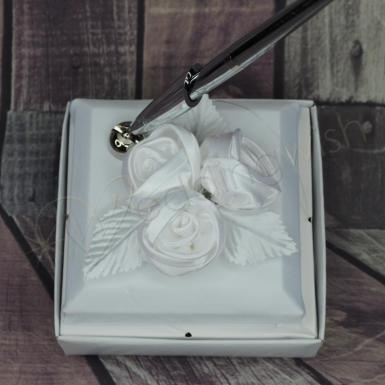 Wedding Pen Stand - White Roses Pen - Wedding Wish Image 1