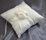 Ring Cushion - 3 White Roses image