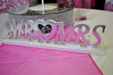 Wedding Mr and Mrs Sign with Heart Frame - Wedding Wish Image 1