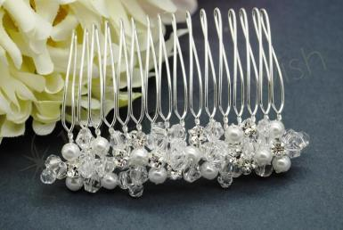 Wedding  Crystal and Pearl Veil Comb Image 1